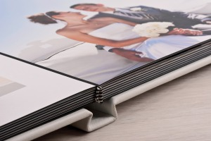 White wedding album lay flat pages