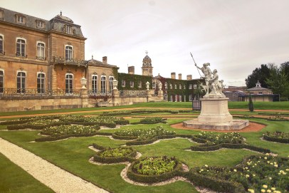 Wrest Park gardens and statues